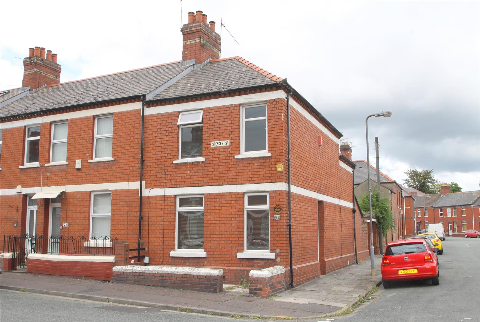 3 Bedrooms End Of Terrace House for sale in Spencer Street, Cardiff